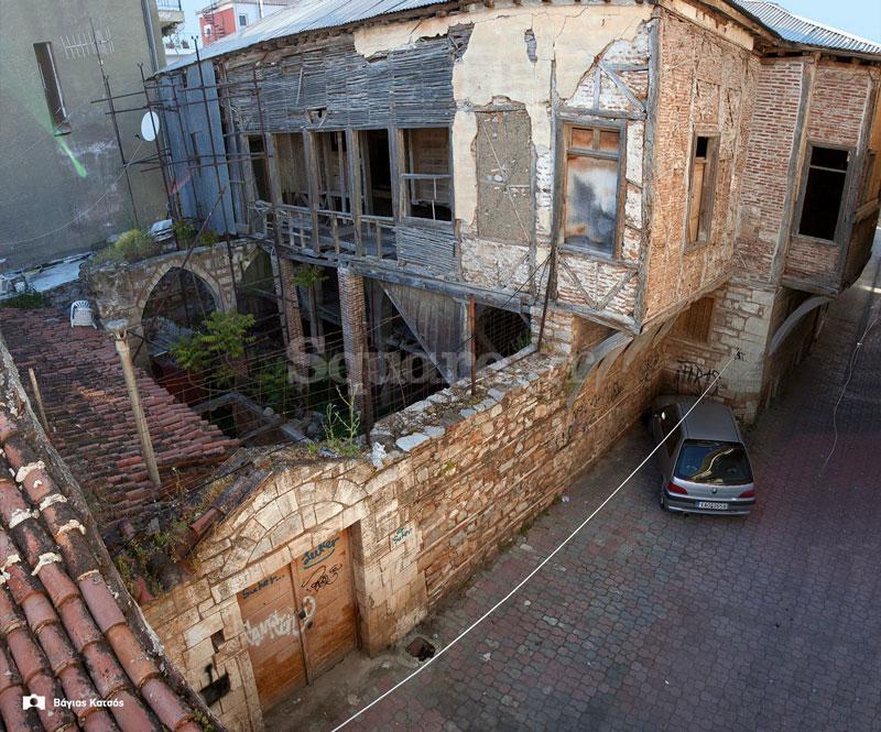 1-Σπίτι-οδού-Παίδων-Χαλκίδα-ετοιμόρροπο-αρχοντικό-Τουρκοκρατίας