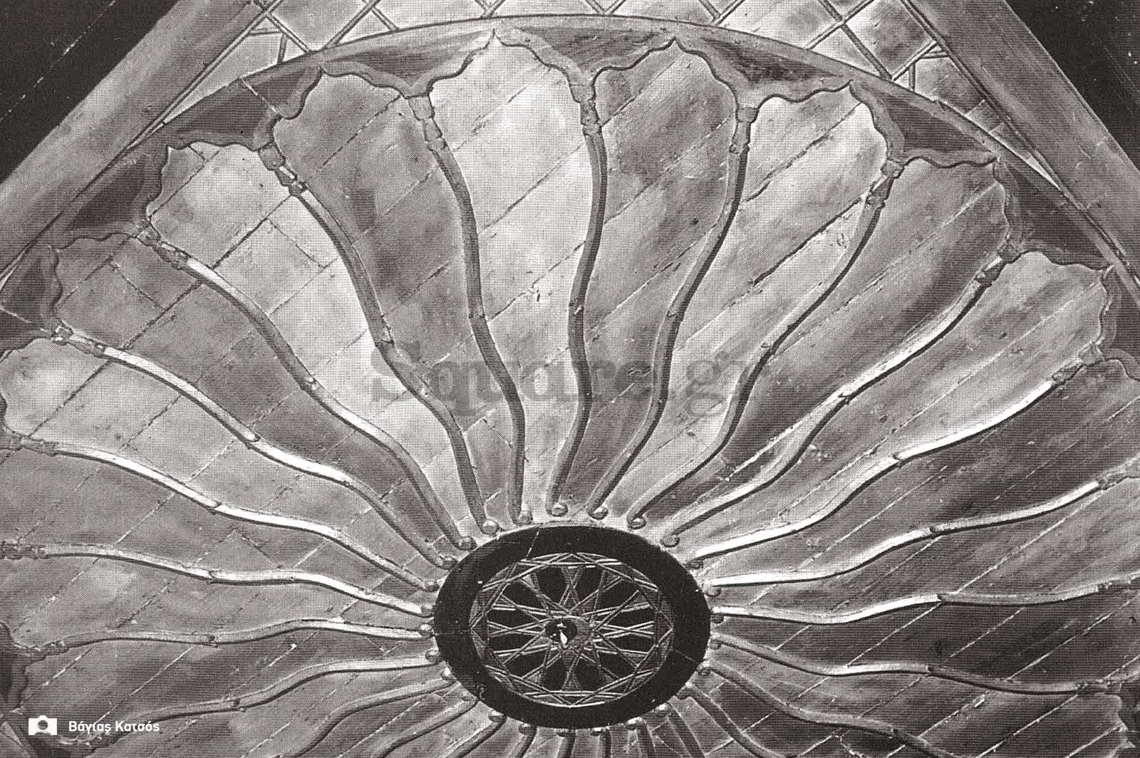 31-Σπίτια-Κοκκίνη-Οροφή-δωματίου-του-σπιτιού-Καράκωστα-Φωτ-Γ-Βραιμάκης-1968-final-square-logo