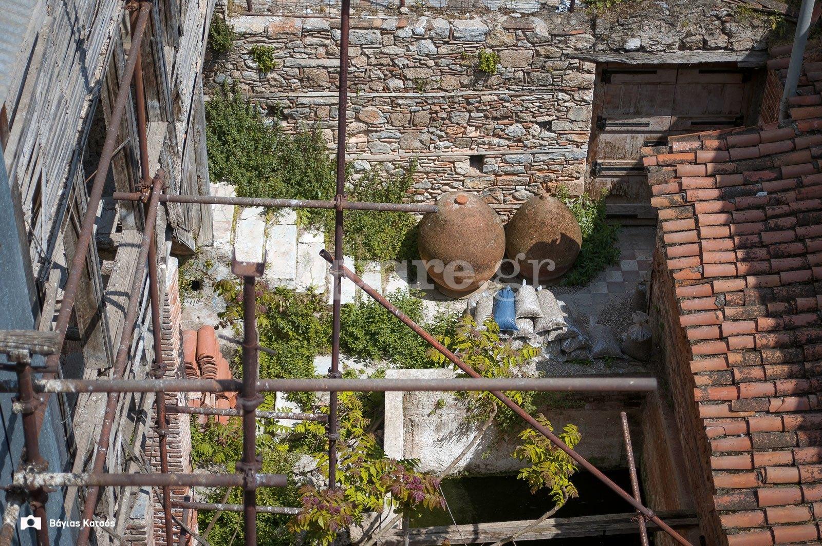 4-Σπίτι-οδού-Παίδων-Χαλκίδα-ετοιμόρροπο-αρχοντικό-Τουρκοκρατίας