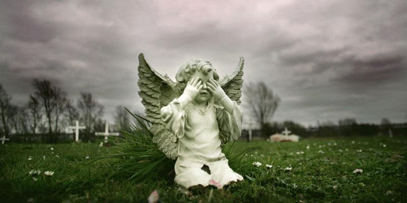 Τα άγνωστα μωρά του νεκροταφείου