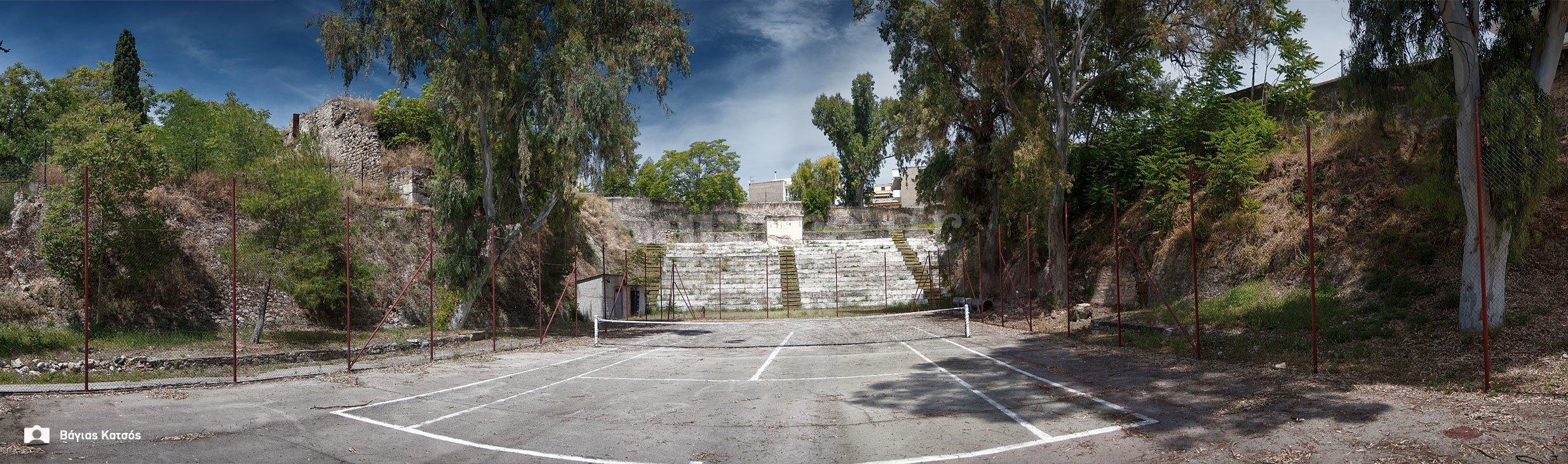 3-Τάφρος-και-μεσαιωνικό-τείχος-της-Χαλκίδας-μέσα-στο-χώρο-της-σχολής-πεζικού-2