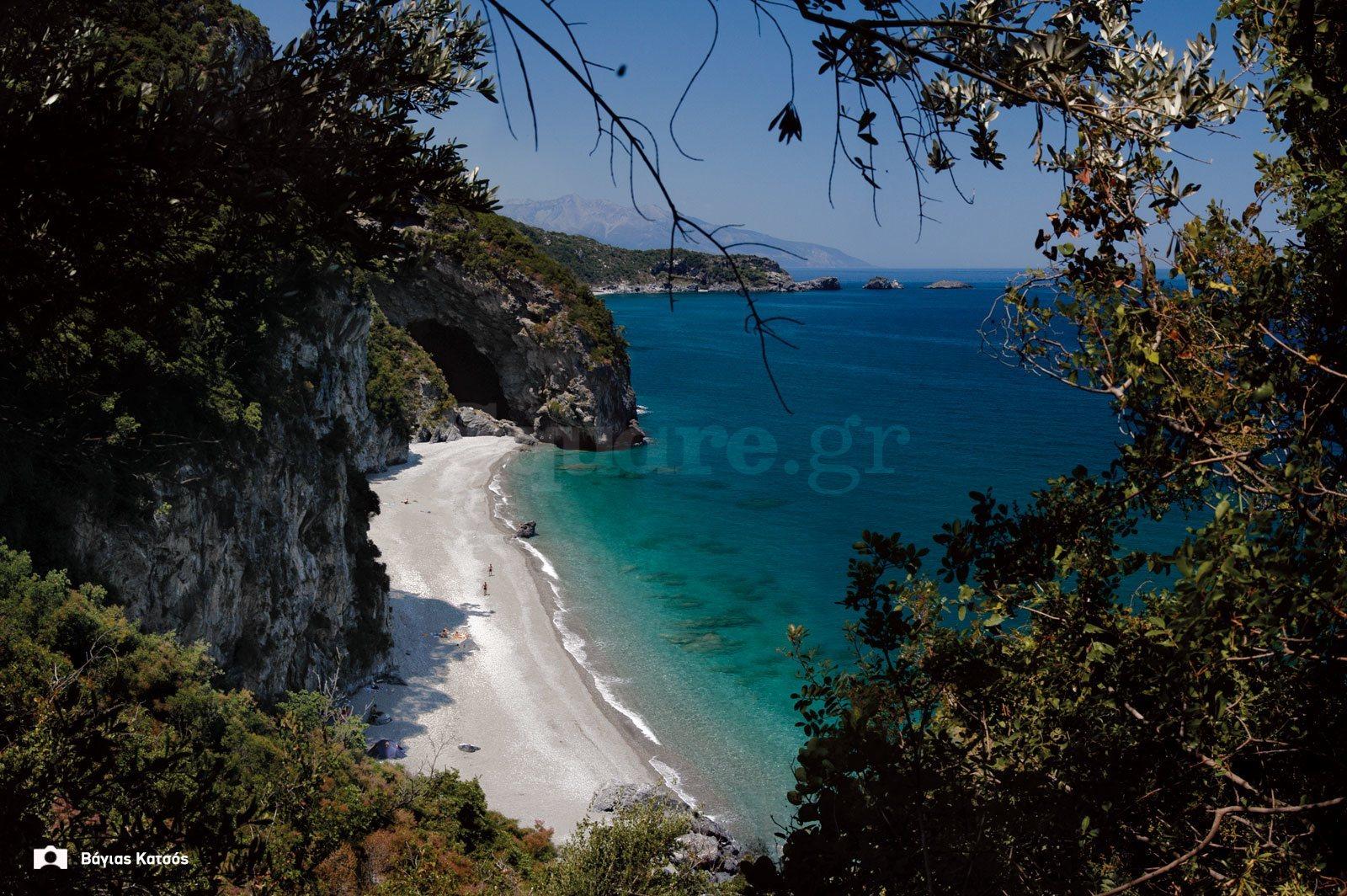 Παραλία-Αναμάκι-δίπλα-στη-Χιλιαδού-στην-κεντρική-Εύβοια-2