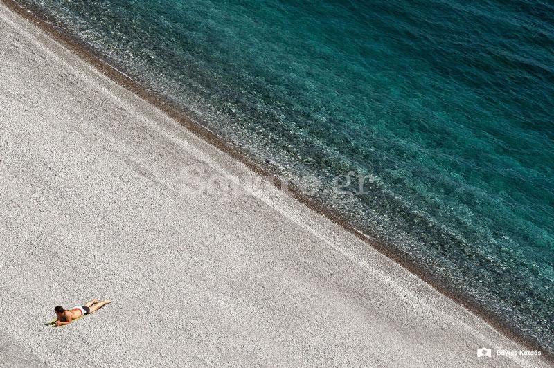 Παραλία-Πετάλι-στη-νότια-Εύβοια