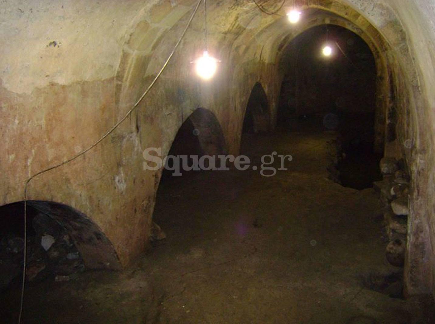 6-Η-υπόγεια-δεξαμενή-κάτω-από-την-πλατεία-Πεσόντων-Οπλιτών