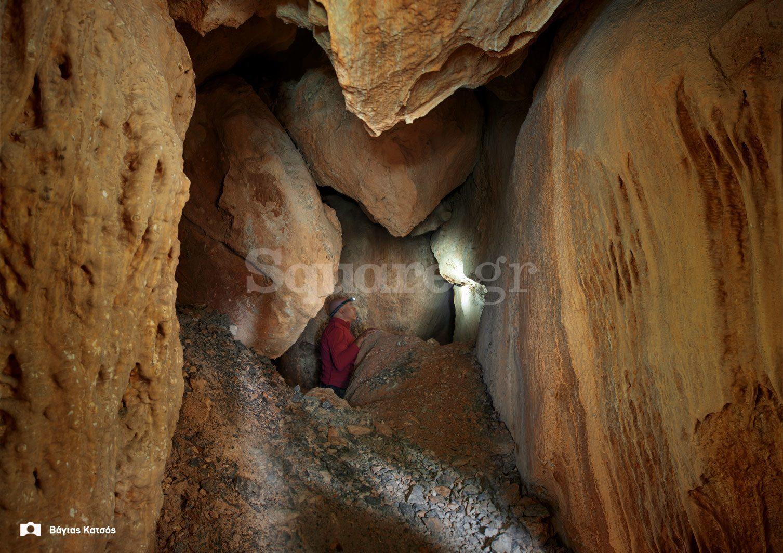 5-εσωτερικό-σπηλαίου-Αρέθουσας
