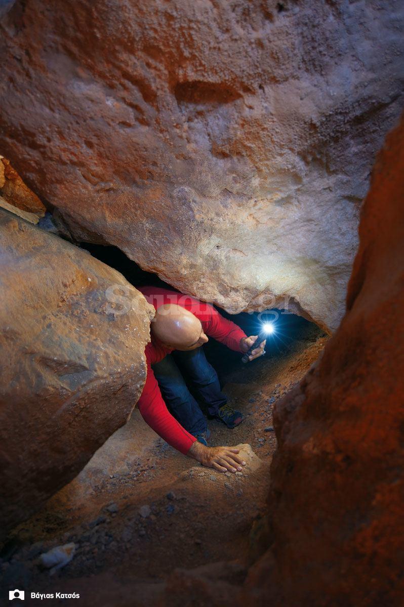 6-εσωτερικό-σπηλαίου-Αρέθουσας