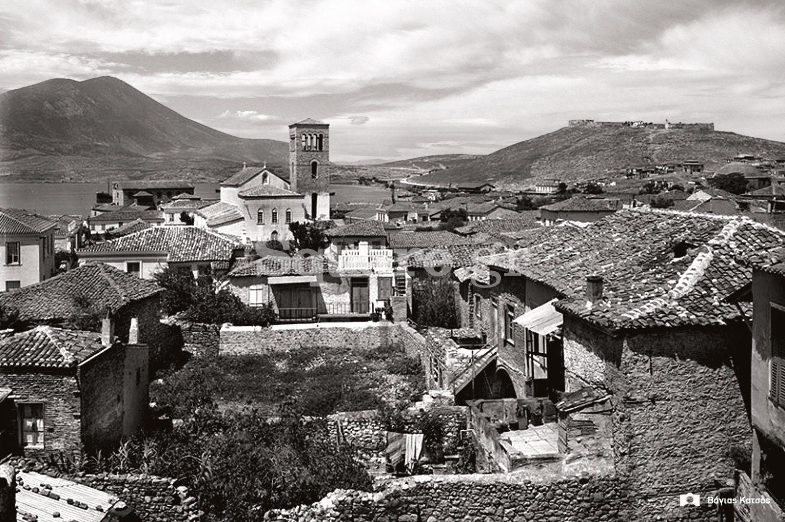 7-Ο-μέγας-και-άκομψος-παλαιός-ναός-της-Αγίας-Παρασκευής-κατά-τον-Παπαδιαμάντη-στη-συνοικία-του-Κάστρου