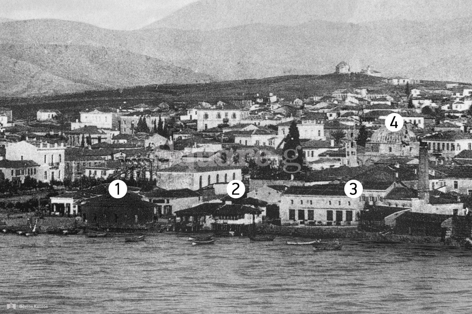 16-Πριν-μεταφερθούν-το-1906-στη-δημοτική-αγορά,-τα-ιχθυοπωλεία-βρίσκονταν-δίπλα-στο-κύμα-στην-παραλία-της-Χαλκίδας