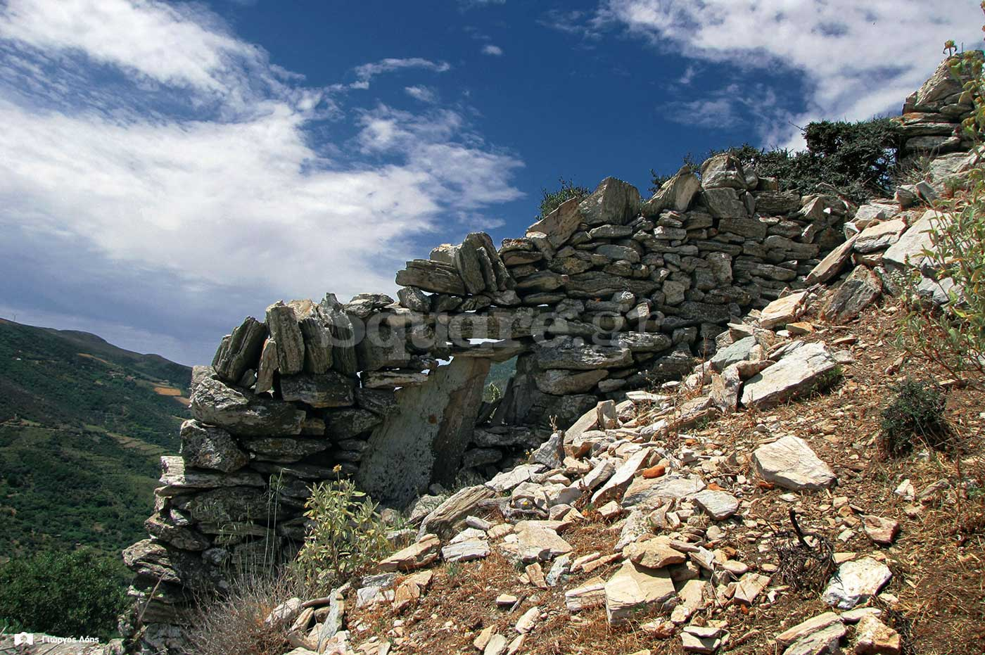 10-Λείψανα-οχυρωματικής-τοιχοποιίας-στην-νότια-πλευρά-του-λόφου