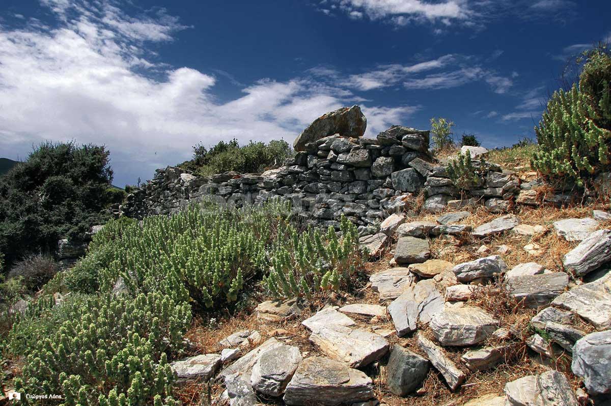 11-Λείψανα-οχυρωματικής-τοιχοποιίας-στην-νότια-πλευρά-του-λόφου