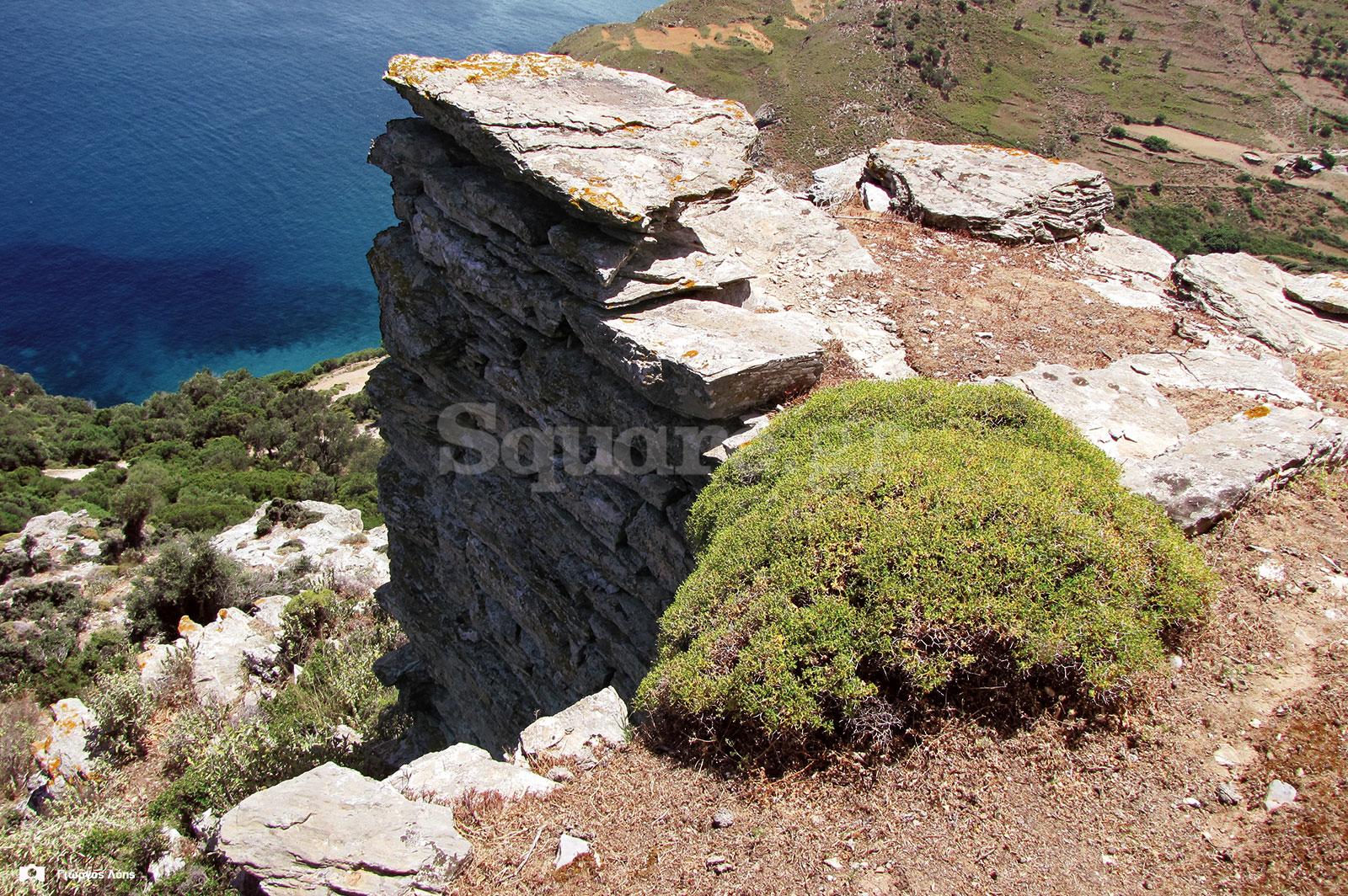 17-Άποψη-της-βάσης-του-μεσαίου-αμυντικού-πύργου-των-ανατολικών-τειχών