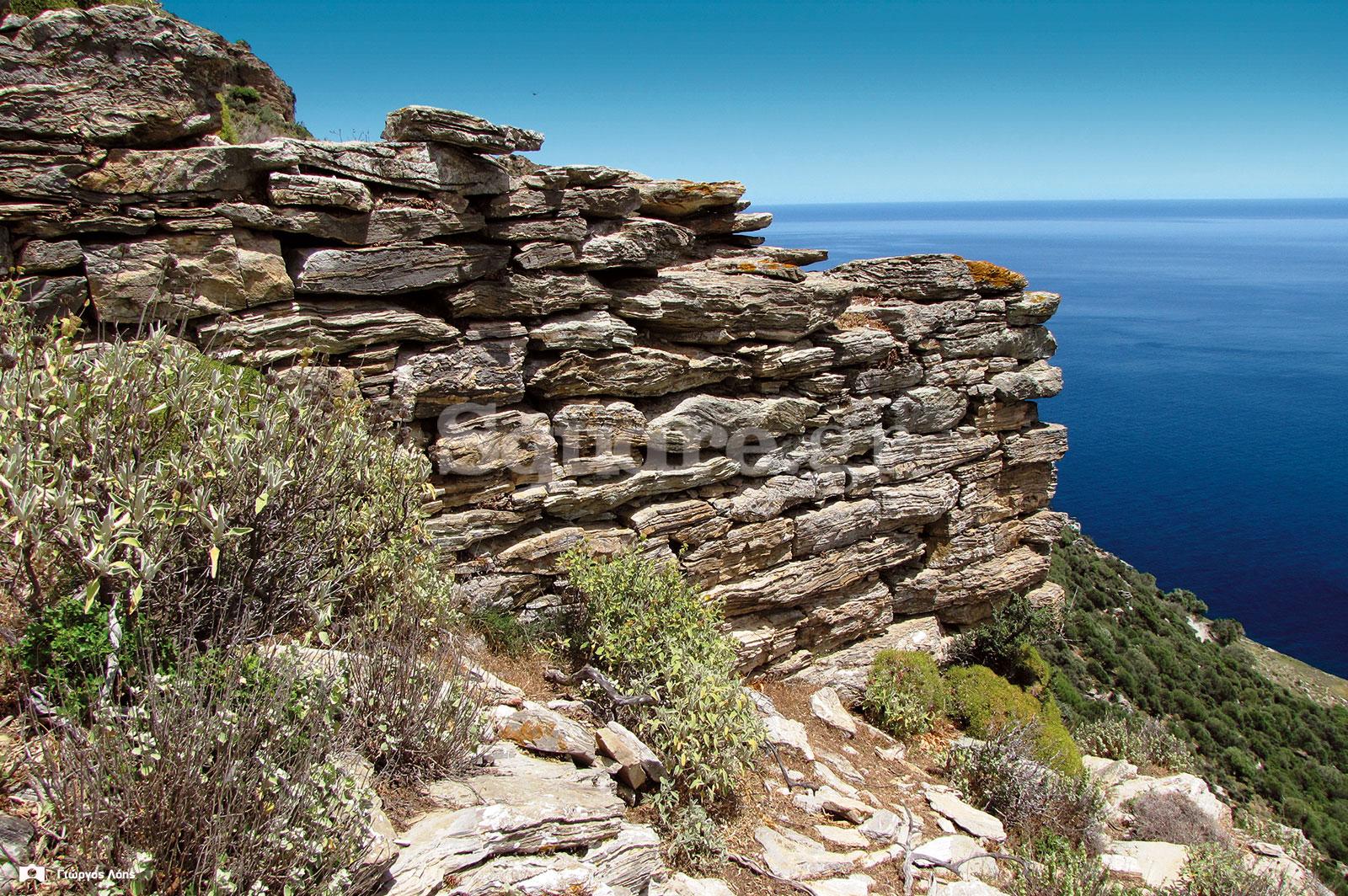 18-Άποψη-της-βάσης-του-μεσαίου-αμυντικού-πύργου-των-ανατολικών-τειχών