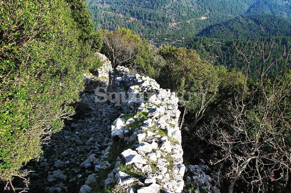 10-τμήματα-των-ανατολικών-τειχών-του-μεσαίου-περιβόλου