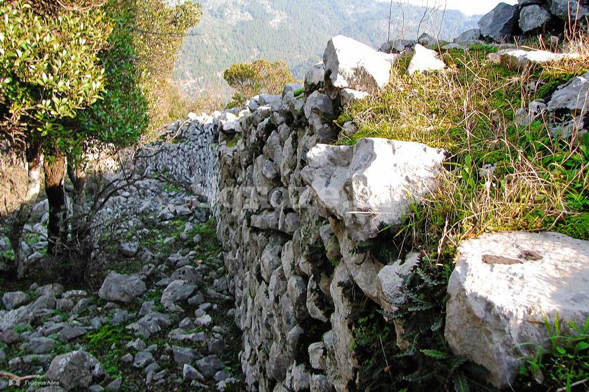 11τμήματα-των-ανατολικών-τειχών-του-μεσαίου-περιβόλου