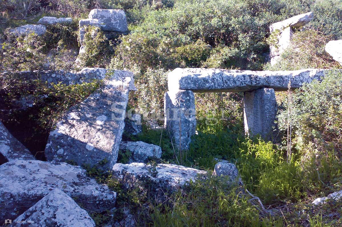 14-τα-εντυπωσιακά-ερείπια-της-«Μεγάλης-Οικίας»