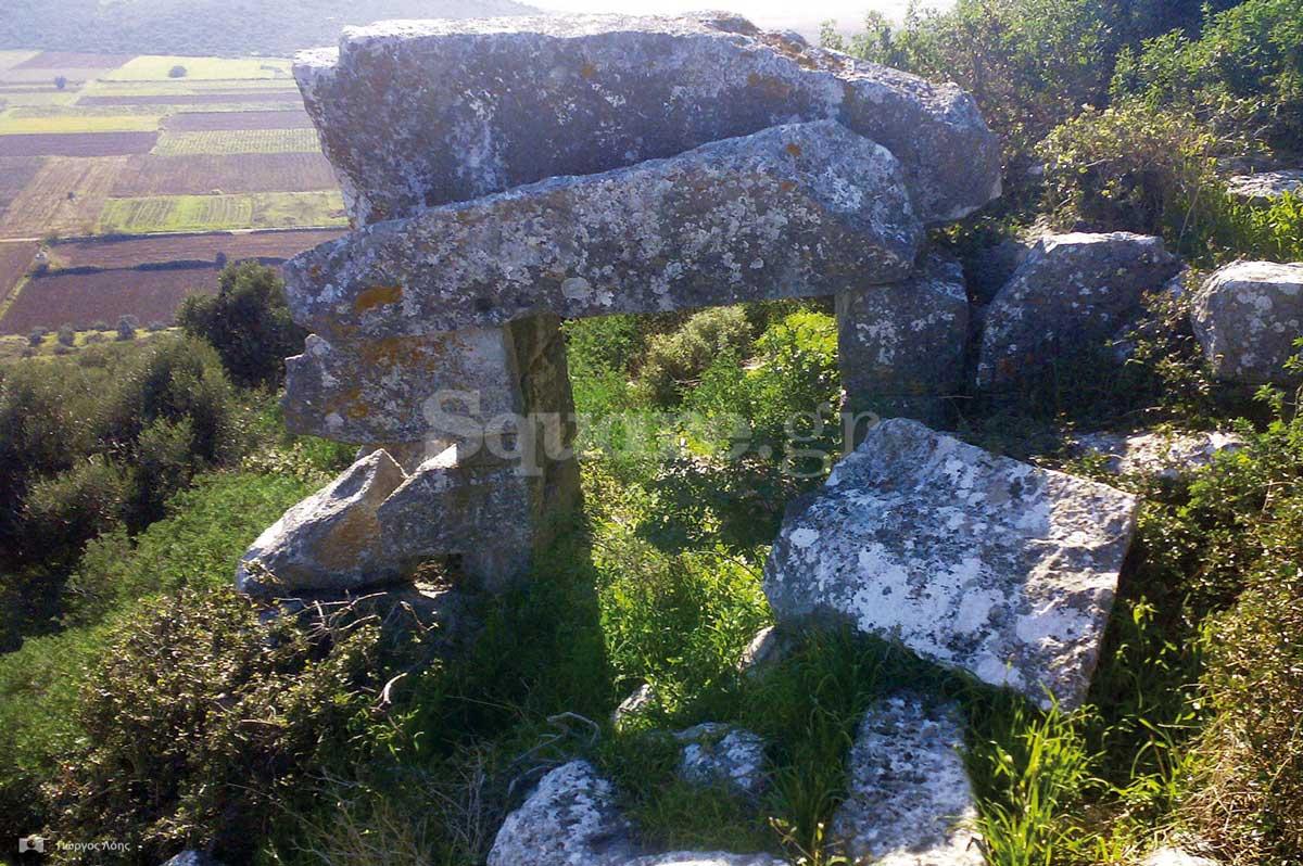 15-Η-εσωτερική-πλευρά-της-κύριας-εισόδου-στην-αρχαία-ακρόπολη-της-Δύστου