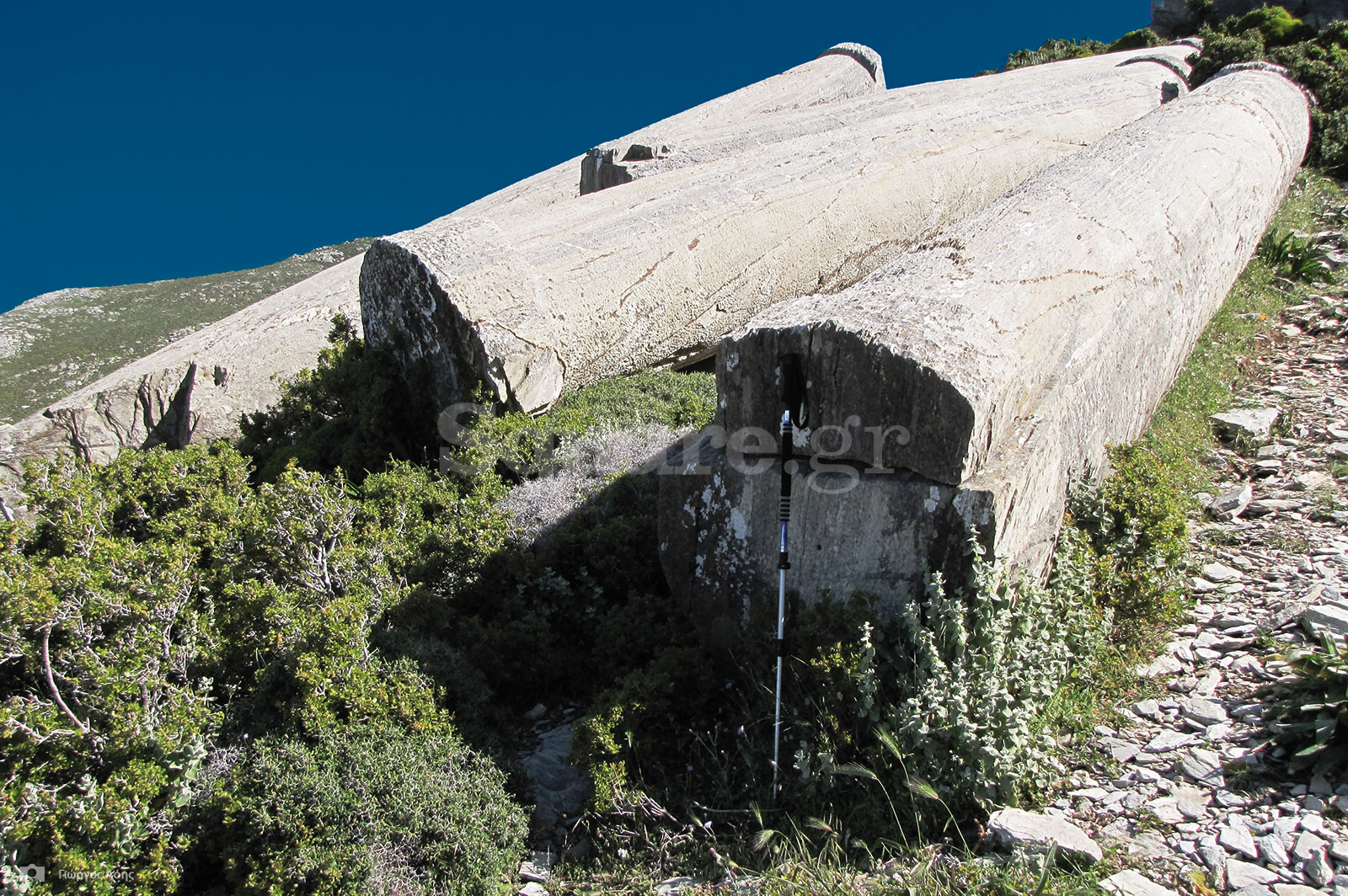 20-Υπερμεγέθεις-μονολιθικοί-κίονες-σε-αρχαίο-λατομείο-στην-τοποθεσία-Κολώνες-του-οικισμού-Μύλων-Καρύστου