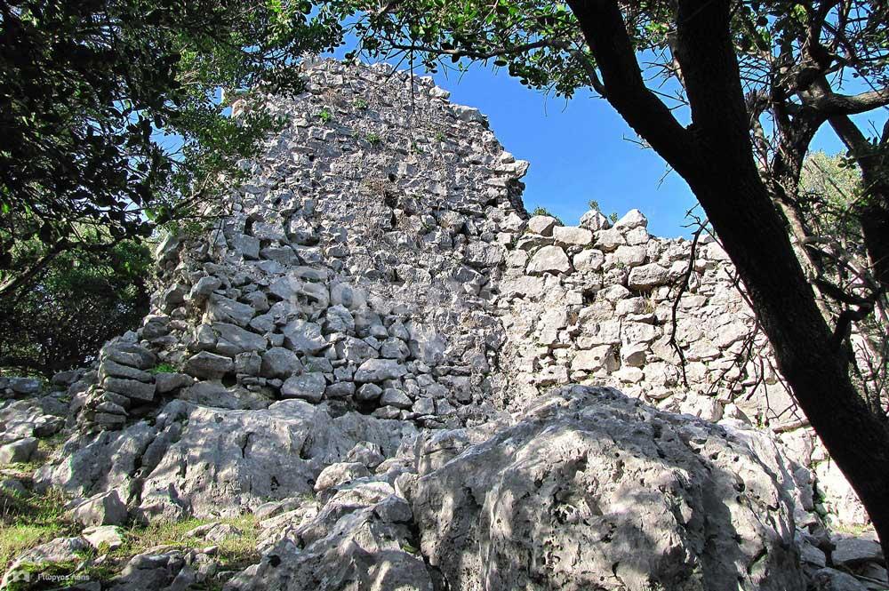 21-Ο-ενδιάμεσος-πύργος-ή-προμαχώνας-των-ανατολικών-εσωτερικών-τειχών