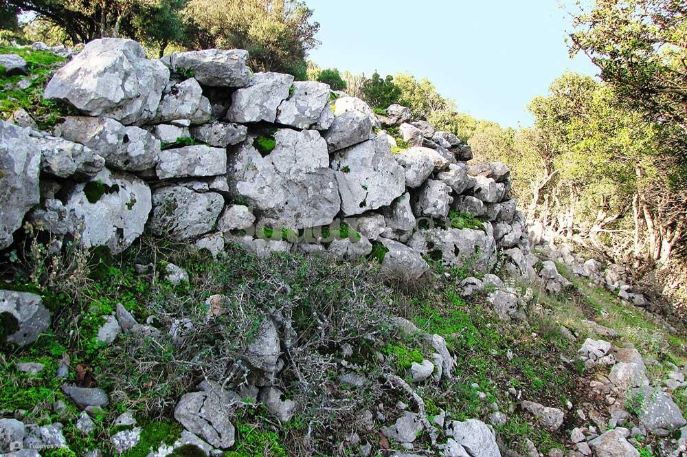 25-Διατηρούμενα-τμήματα-των-τειχών