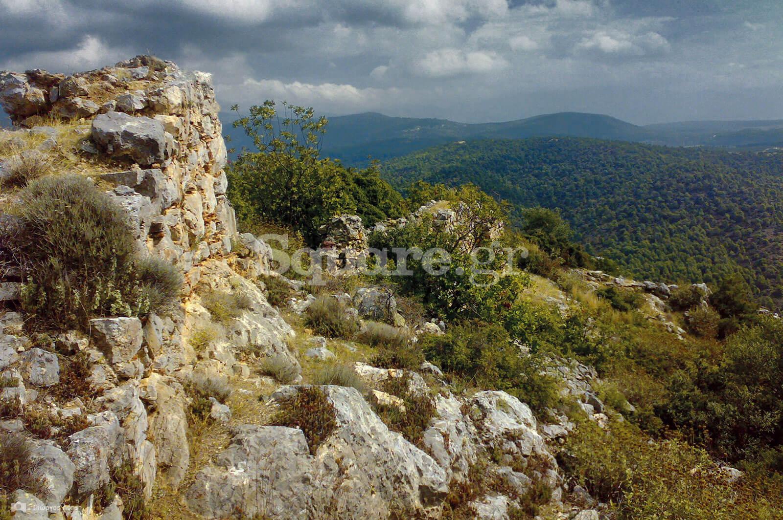 13-Άποψη-των-σωζόμενων-νότιων-τειχών-του-κάστρου