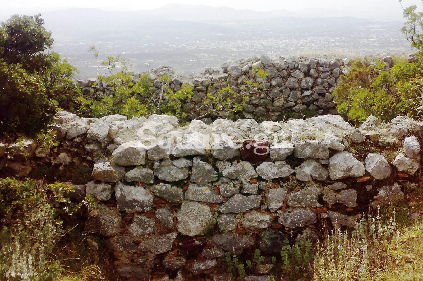 20-Άποψη-των-δύο-τοιχωμάτων-του-εσωτερικού-προσκτίσματος-στα-νότια-τείχη