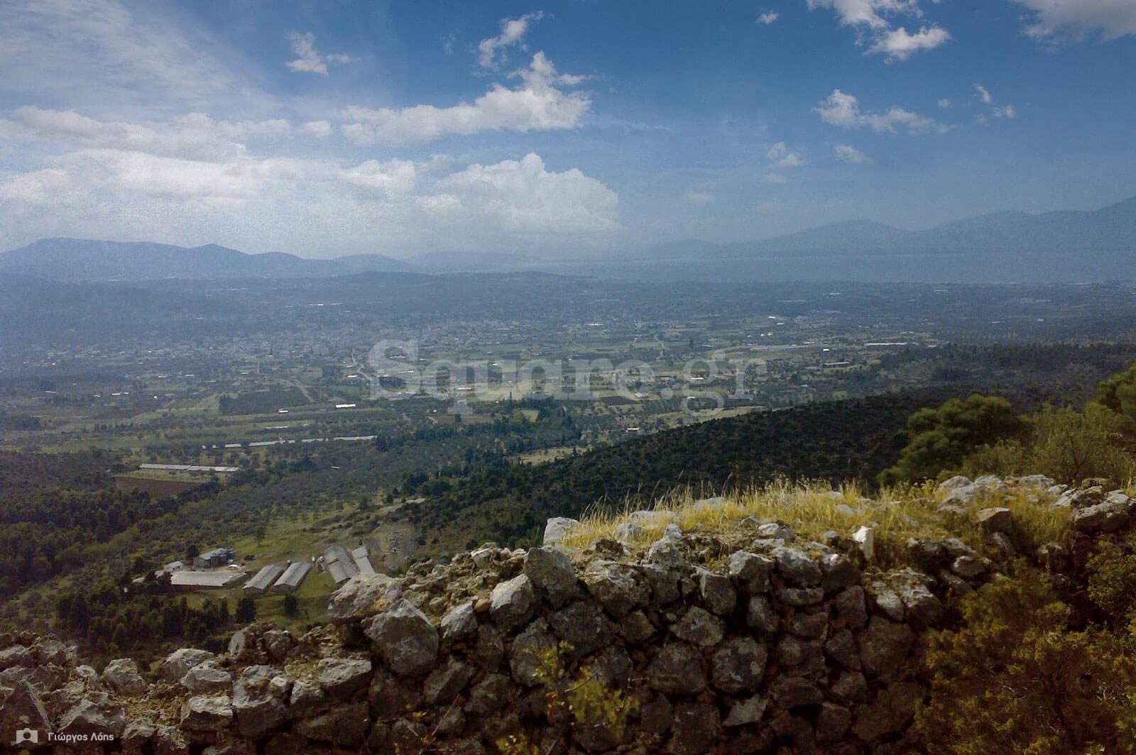8-Η-θέα-από-τα-νότια-τείχη-του-κάστρου