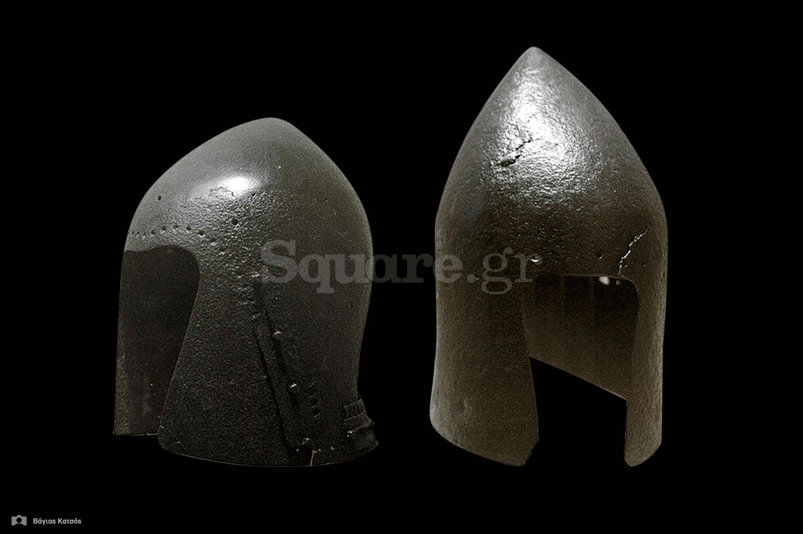 8-Κράνη-τύπου-bascinet-(ή-αλλιώς-barbute)-από-την-μεσαιωνική-συλλογή-της-Χαλκίδας