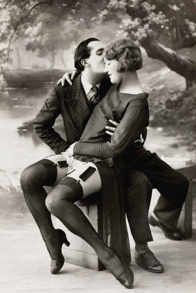 vintage-erotic-postcards-from-the-early-20th-century 3