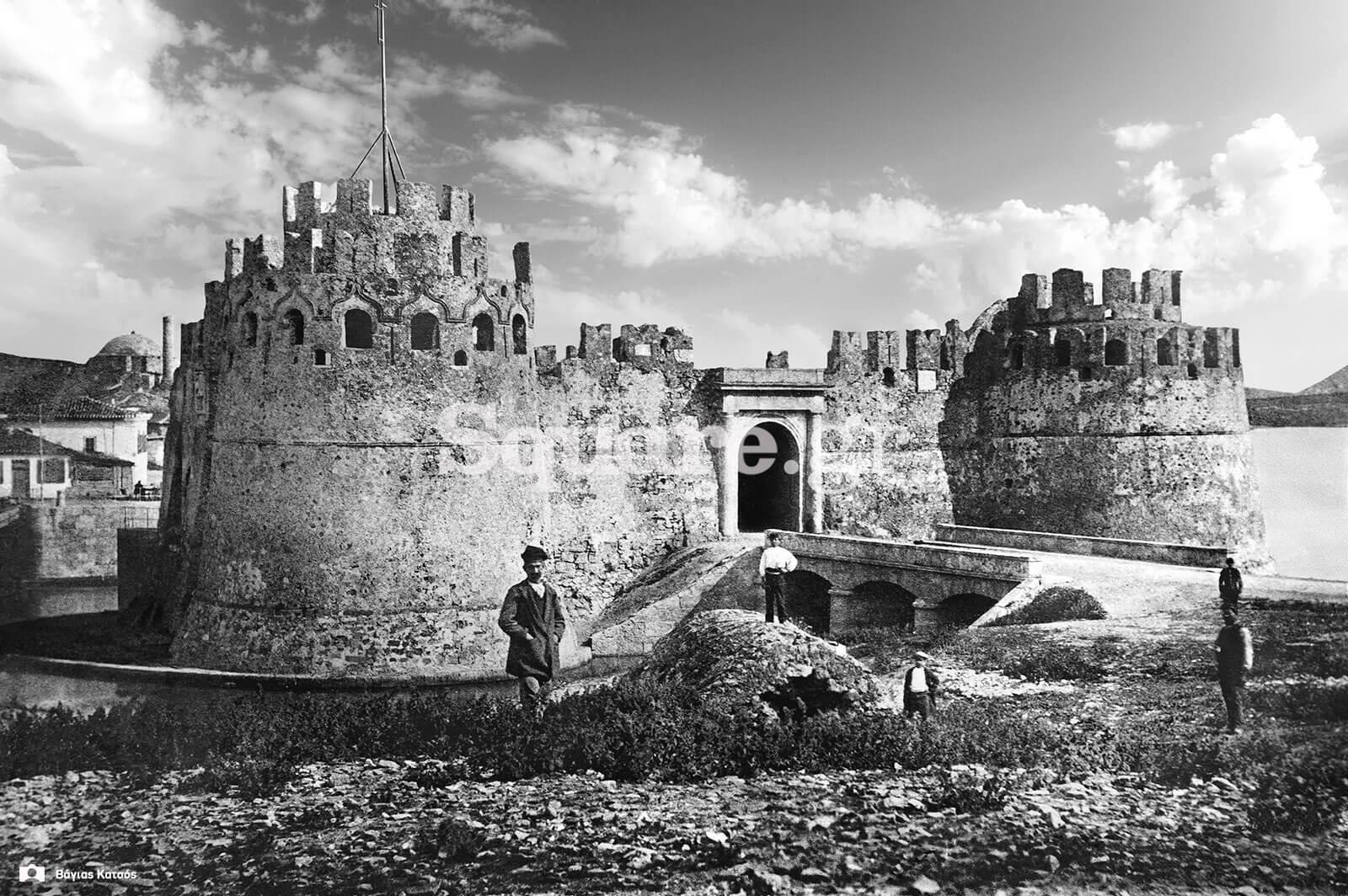 11-Λεπτομέρεια-από-φωτογραφία-του-κάστρου-στον-πορθμό-του-Ευρίπου