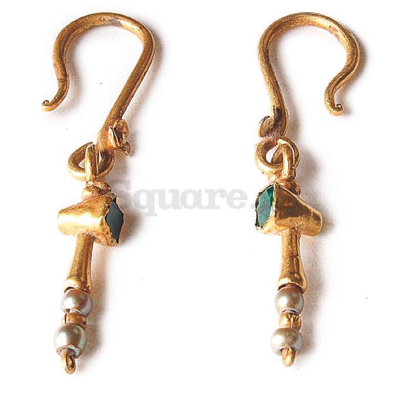 5-Ζεύγος-χρυσών-σκουλαρικιών-από-τον-«θησαυρό»-της-Χαλκίδας-του-15ου-αιώνα