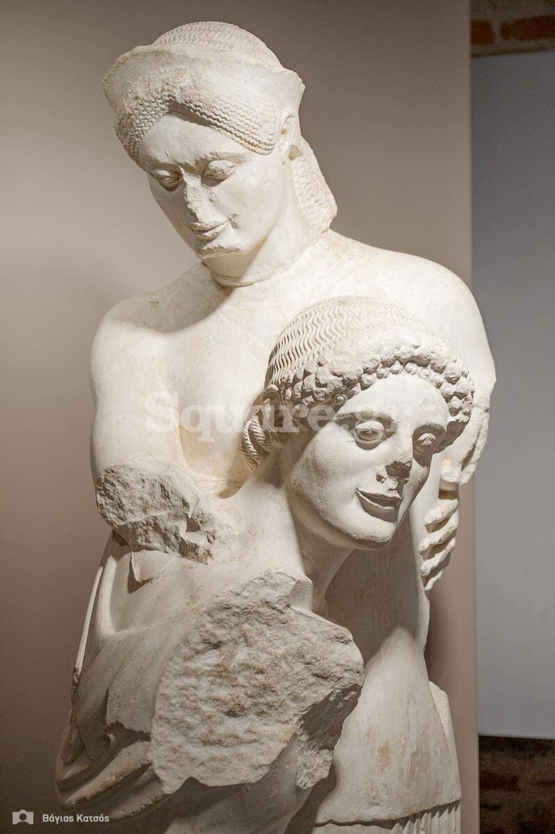 10-Αντίγραφο-συμπλέγματος-Θησέα-και-Αντιόπης-από-το-ναό-του-Απόλλωνα-Δαφνηφόρου-στην-Ερέτρια