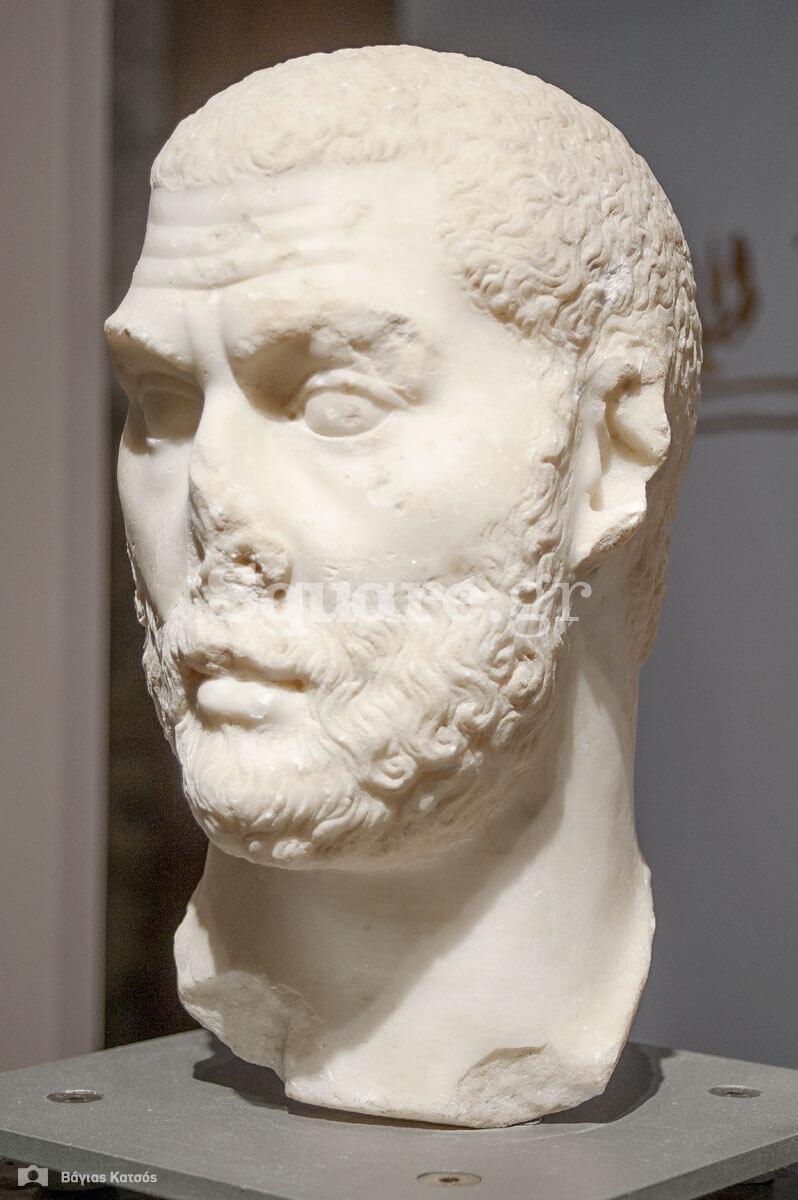 6-Ένας-επισκέπτης-της-Αιδηψού-πιθανότατα-Ρωμαίος-Πορτραίτο-του-230-250